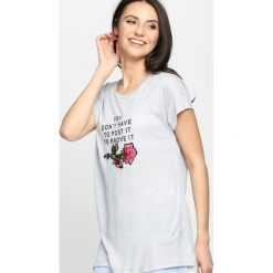 Szary T-shirt Chances. Szare bluzki damskie Born2be, l. Za 29,99 zł.