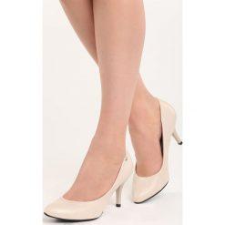 Beżowe Czółenka No Roots. Brązowe buty ślubne damskie Born2be, ze skóry, ze szpiczastym noskiem, na niskim obcasie, na szpilce. Za 79,99 zł.