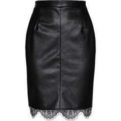 Spódnica ze sztucznej skóry z koronką bonprix czarny. Czarne spódniczki skórzane marki KALENJI. Za 99,99 zł.
