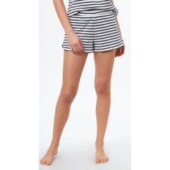 Etam - Szorty piżamowe Jim. Białe piżamy damskie marki MEDICINE, z bawełny. W wyprzedaży za 34,90 zł.