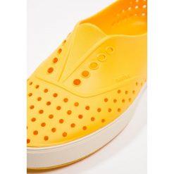 Native MILLER Półbuty wsuwane groovy yellow/bone white. Szare półbuty damskie wsuwane Native, z materiału. Za 209,00 zł.