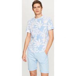 T-shirty męskie: T-shirt z roślinnym nadrukiem – Biały
