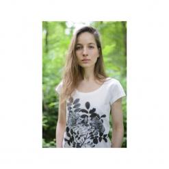 T-shirt flowers/ z organicznej bawełny. Białe t-shirty damskie Siss, s, z nadrukiem, z bawełny, z klasycznym kołnierzykiem. Za 150,00 zł.