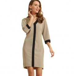 Sukienka w kolorze szarym. Szare sukienki marki Almatrichi, s, midi, proste. W wyprzedaży za 199,95 zł.