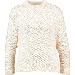 Swetry klasyczne damskie: KIOMI Sweter white
