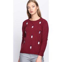 Bordowy Sweter Video Games. Czerwone swetry klasyczne damskie Born2be, l, z okrągłym kołnierzem. Za 49,99 zł.