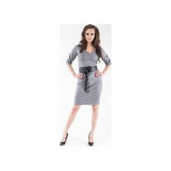 Sukienka z dekoltem i skórzanym paskiem w zestawie SL2140. Szare sukienki balowe marki Soleil, na co dzień, l, w paski, z jeansu, z koszulowym kołnierzykiem, koszulowe. Za 119,00 zł.