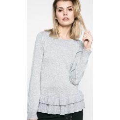 Vila - Sweter Vicka. Szare swetry klasyczne damskie Vila, m, z bawełny, z okrągłym kołnierzem. W wyprzedaży za 69,90 zł.