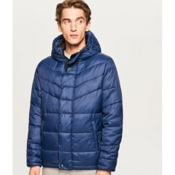 Pikowana kurtka z kapturem - Niebieski. Niebieskie kurtki męskie pikowane Reserved, l, z kapturem. Za 199,99 zł.