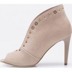 Carinii - Botki. Szare buty zimowe damskie Carinii, z materiału, na obcasie. W wyprzedaży za 299,90 zł.