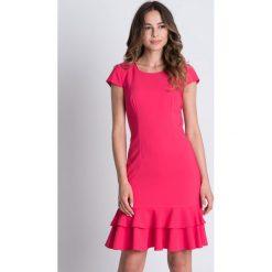 Sukienki balowe: Różowa sukienka z falbanką BIALCON