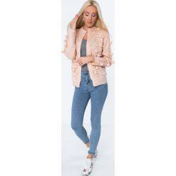 Swetry rozpinane damskie: Sweter z pomponami łososiowy MISC232