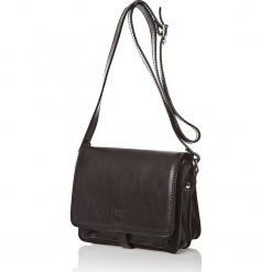 Skórzana torebka w kolorze czarnym - 18,5 x 22,5 x 10 cm. Czarne torebki klasyczne damskie I MEDICI FIRENZE, w paski, z materiału. W wyprzedaży za 347,95 zł.