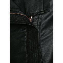 S.Oliver RED LABEL Kurtka ze skóry ekologicznej black. Czarne kurtki chłopięce marki s.Oliver RED LABEL, z materiału. W wyprzedaży za 215,40 zł.