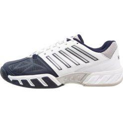 KSWISS BIG SHOT LIGHT 3 Obuwie multicourt white/navy. Białe buty do tenisa męskie marki K-SWISS. Za 419,00 zł.