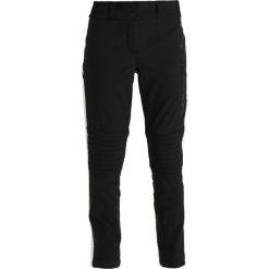 Superdry SUPER SLALOM SKI PANT Spodnie narciarskie black. Szare bryczesy damskie marki Superdry, l, z nadrukiem, z bawełny, z okrągłym kołnierzem. W wyprzedaży za 467,40 zł.