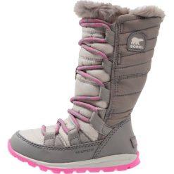 Sorel WHITNEY LACE Śniegowce pink ice/quarry. Czerwone kozaki dziewczęce Sorel, z materiału. W wyprzedaży za 197,45 zł.