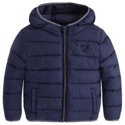 Kurtka w kolorze granatowym. Niebieskie kurtki chłopięce zimowe marki Mayoral. W wyprzedaży za 132,95 zł.