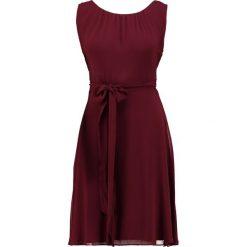 Sukienki hiszpanki: comma KURZ Sukienka letnia ruby