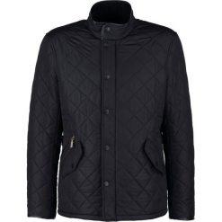 Barbour POWELL Kurtka przejściowa black. Czarne kurtki męskie przejściowe Barbour, l, z materiału. Za 999,00 zł.
