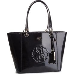 Torebka GUESS - HWPH66 91230 BLA. Czarne torebki klasyczne damskie Guess, z aplikacjami, ze skóry ekologicznej. Za 629,00 zł.