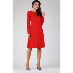 Czerwona Wizytowa Lekko Rozkloszowana Sukienka z Kontrafałdą. Czerwone sukienki balowe marki Molly.pl, na co dzień, l, z klasycznym kołnierzykiem, midi, oversize. W wyprzedaży za 129,18 zł.