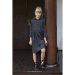 Sukienki dziewczęce z falbanami: SIMPLE ME sukienka grafitowa dla dziewczynki