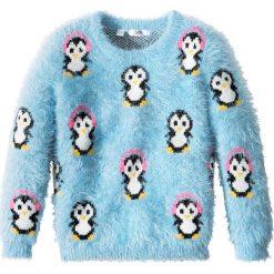 Sweter z zimowym motywem bonprix jasnoniebieski. Niebieskie swetry dziewczęce marki bonprix, z nadrukiem, bez rękawów. Za 37,99 zł.