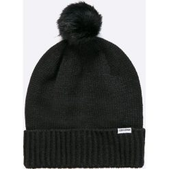 Converse - Czapka. Czarne czapki zimowe damskie Converse, na zimę, z dzianiny. W wyprzedaży za 89,90 zł.