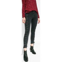 Medicine - Jeansy Stargazer. Czarne jeansy damskie rurki marki MEDICINE, z bawełny. W wyprzedaży za 79,90 zł.