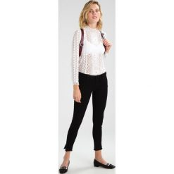 Jeansy damskie: Vero Moda VMFIVE FOLD SLIT Jeans Skinny Fit black