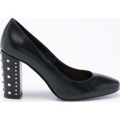 CheBello - Czółenka. Czarne buty ślubne damskie CheBello, z materiału, na obcasie. W wyprzedaży za 249,90 zł.