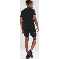 Gore Wear 2IN1 SHORTS Krótkie spodenki sportowe black. Czarne bermudy męskie Gore Wear, z elastanu, sportowe. Za 379,00 zł.