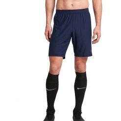 Nike Spodenki męskie Strike Short granatowy r. M (725872 429). Niebieskie spodenki sportowe męskie marki ARTENGO, l, z elastanu. Za 129,00 zł.
