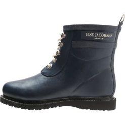 Ilse Jacobsen Kalosze dark indigo. Brązowe buty zimowe damskie marki Alma en Pena, z materiału, na obcasie. Za 569,00 zł.