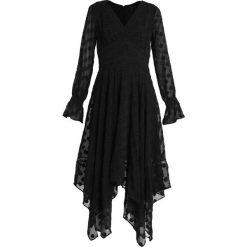 Forever New HANKY HEM DOBBY DRESS Długa sukienka black. Czarne długie sukienki marki Forever New, z materiału, z długim rękawem. Za 409,00 zł.