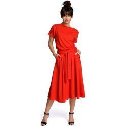 Sukienki: Czerwona Midi Sukienka z Szerokim Dołem