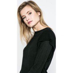 Only - Sweter Lova. Czarne swetry klasyczne damskie ONLY, l, z dzianiny, z okrągłym kołnierzem. W wyprzedaży za 49,90 zł.