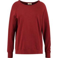 Bluzy rozpinane damskie: American Vintage JAGUAR Bluza cranberry