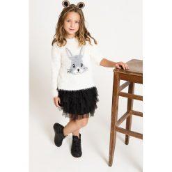 Blukids - Sweter dziecięcy 98-128 cm. Szare swetry klasyczne damskie Blukids, z nadrukiem, z dzianiny, z okrągłym kołnierzem. W wyprzedaży za 59,90 zł.