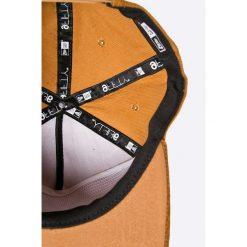 New Era - Czapka. Brązowe czapki z daszkiem męskie New Era. W wyprzedaży za 119,90 zł.