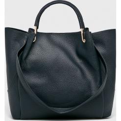 Parfois - Torebka. Czarne torebki klasyczne damskie Parfois, z materiału, średnie. W wyprzedaży za 99,90 zł.