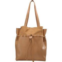 Mint&berry Torba na zakupy tan. Brązowe torebki klasyczne damskie mint&berry. W wyprzedaży za 227,40 zł.
