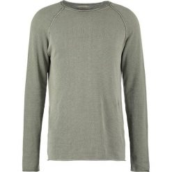 Swetry klasyczne męskie: Selected Homme SHNCLASHACID CREW NECK Sweter dusty olive