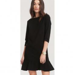 Czarna Sukienka Effulgent. Sukienki małe czarne marki other, l, prążkowane. Za 79,99 zł.