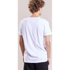 True Religion SKULL Tshirt z nadrukiem white. Białe koszulki polo True Religion, l, z nadrukiem, z bawełny. W wyprzedaży za 188,55 zł.