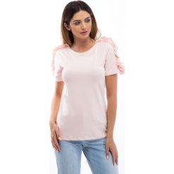 Bluzki damskie: Jasnoróżowa bluzka z falbankami na ramionach 3514