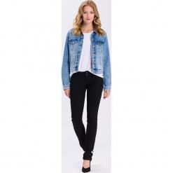 """Dżinsy """"Melissa"""" - Skinny fit - w kolorze czarnym. Czarne rurki damskie marki Cross Jeans, z aplikacjami. W wyprzedaży za 136,95 zł."""