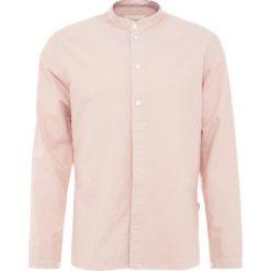 Folk HALF PLACKET GRANDAD Koszula plaster pink. Czerwone koszule męskie na spinki Folk, m, z bawełny. Za 629,00 zł.