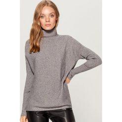 Prążkowany sweter z golfem - Szary. Szare golfy damskie Mohito, l, prążkowane. Za 99,99 zł.